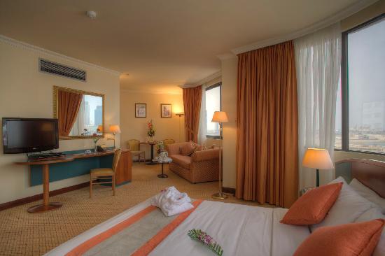Al Diar Dana Hotel: Bed Room