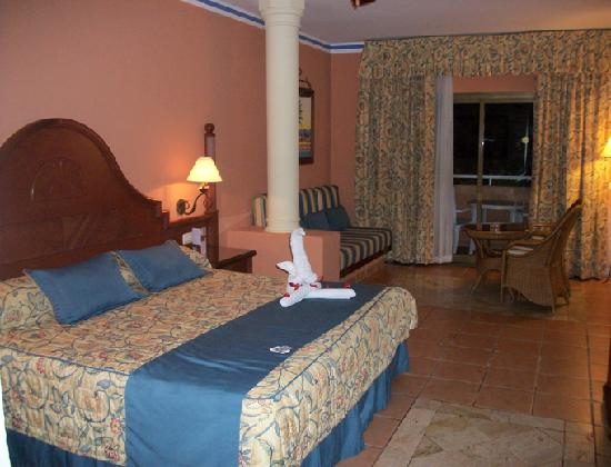 Grand Bahia Principe Punta Cana: the room in the Royal Golden section