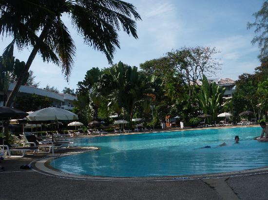 Novotel Rayong Rim Pae Resort Le Jardin Et La Piscine