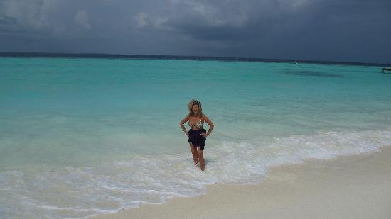 Vakarufalhi Island : la spiaggia e il mare
