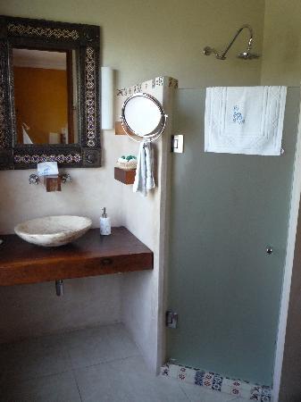 Hotel Casa San Angel: Das Bad