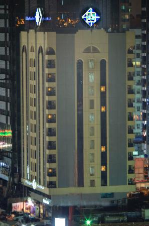 Al Diar Mina Hotel : Exterior Night