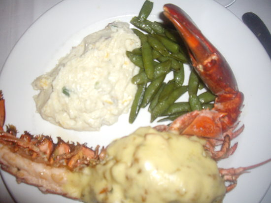 Owens' Restaurant: stuffed lobster