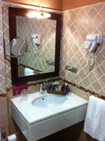 Hotel O Desvio: Baño