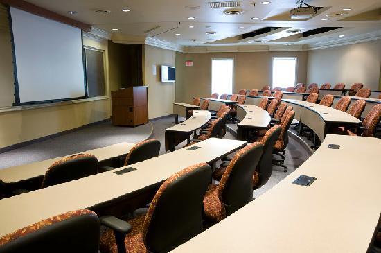 Cooper Hotel Conference Center & Spa: Auditorium
