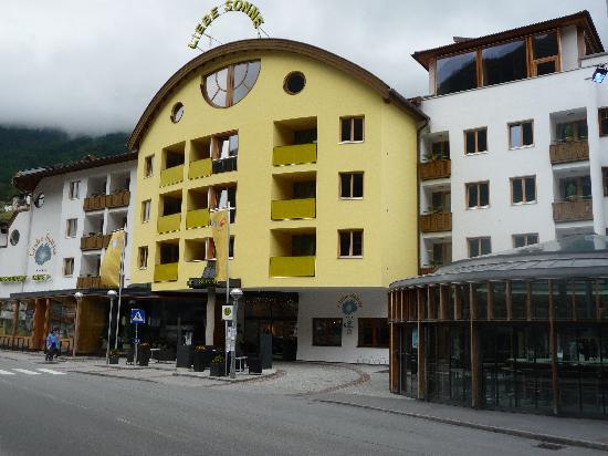 vista esterna hotel bild von hotel liebe sonne s lden tripadvisor. Black Bedroom Furniture Sets. Home Design Ideas