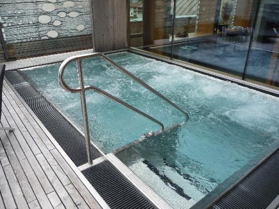 Hotel Liebe Sonne: vasca idromassaggio esterna