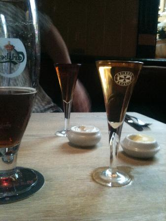 Husmann's Vinstue: Husmann's - beer and snaps