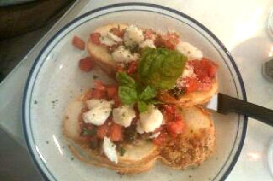 Backstreet Simply Delicious : Bruschetta with diced marinated tomatoes and jumbo lump crab meat topped with fresh basil
