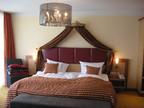Hotel Sonne: Hohes Schloss Room