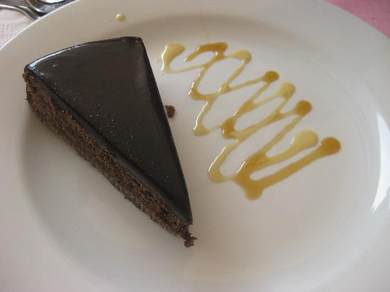 El Brujo: Chocolate Cake