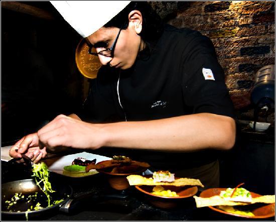 La Casa del Abuelo Art Restaurant: Cooking