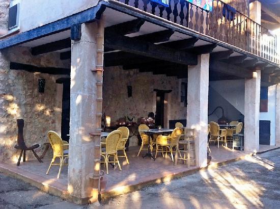 Vall de Pollensa: breakfast patio