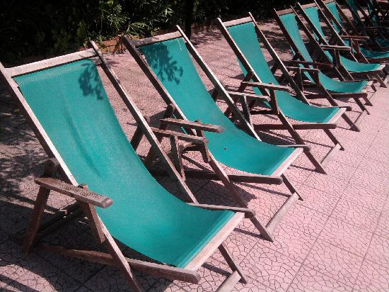 Holiday Club Naxos: Shabby deck chairs as old as the Titanic