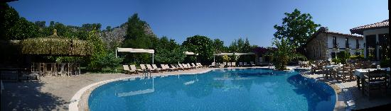 Aydos Club: The Pool area
