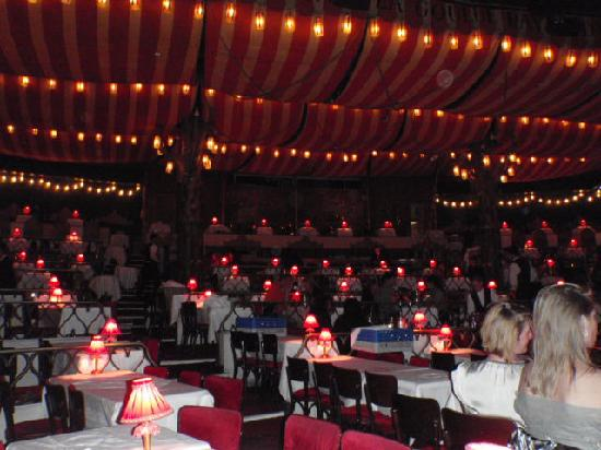 Moulin Rouge: seating arangement