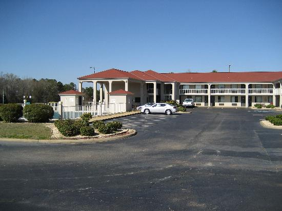 GuestHouse Inn Abbeville: hotel