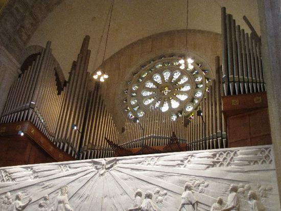 Basilica of the National Shrine of the Immaculate Conception: organ at the top