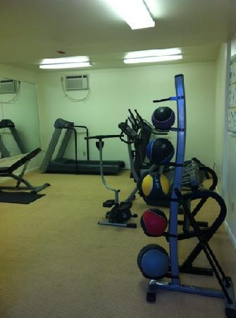 The Beachside: fitness center