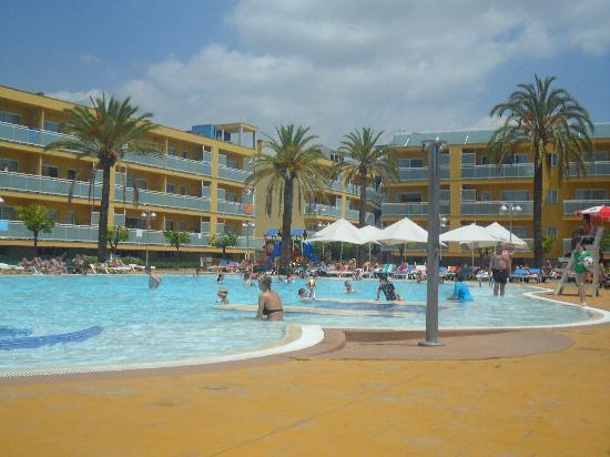 Terralta Apartamentos Turisticos: pool area