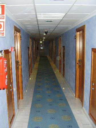 Servigroup Castilla : PAsillo habitaciones