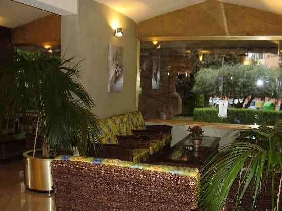 Servigroup Castilla: entrada hotel