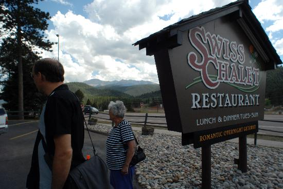 Swiss Chalet Restaurant : scenic