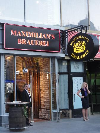 Maximilian's Brauerei : Entrance to the restaurant