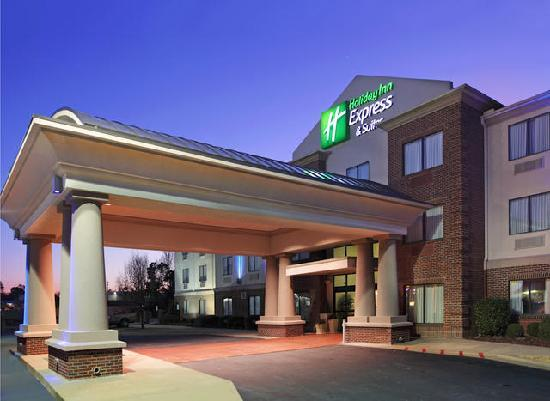Holiday Inn Express Hotel & Suites Pine Bluff: welcome