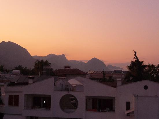 Orange Garden Hotel & Aparts: beautiful mountain view