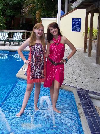 Best Western Plus Belize Biltmore Plaza: Girls Loved the Pool