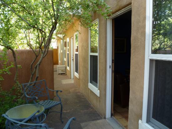 Four Kachinas Inn: Serene & Quiet Patio