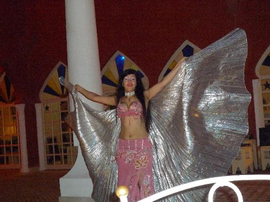 The Grand Resort Hurghada: oriental restaurant entertainment