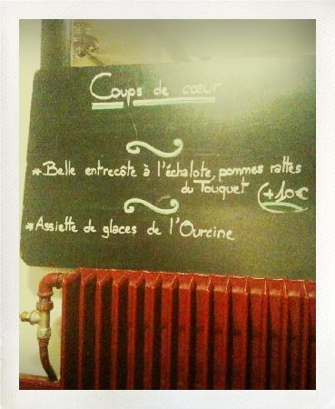 L'Ourcine : Message Board along the wall