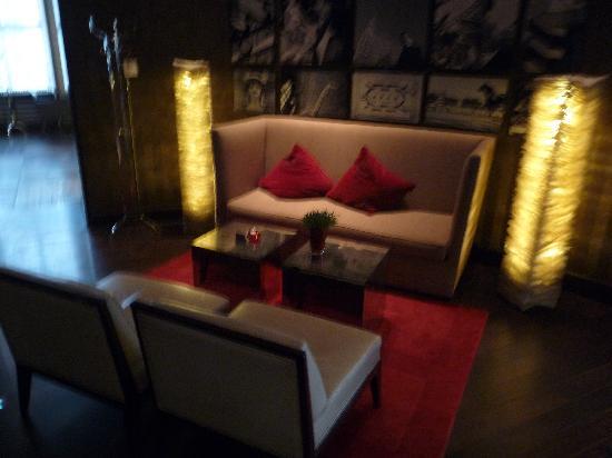 Radisson Blu Style Hotel, Vienna: petit salon hôtel