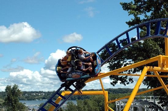 Seabreeze Amusement Park : Whirwind Spinning Coaster