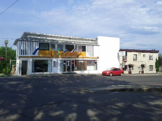 Auberge Internationale Temiscouata : Façade