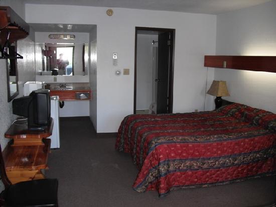 Alpen Motel: Alpen Hotel Room 5