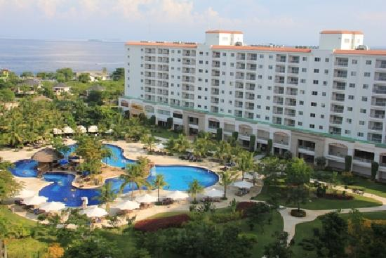 JPark Island Resort & Waterpark, Cebu : Imperial Palace Hotel and Pool