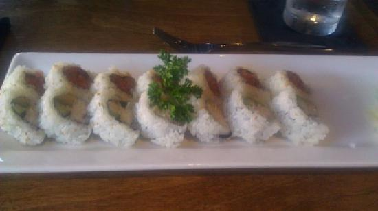 Blue Sushi Sake Grill : Spicy Tuna and California Rolls