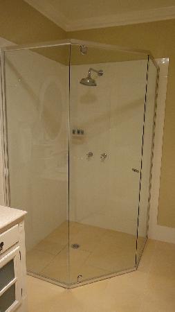 Braemar, Avustralya: Shower in bathroom