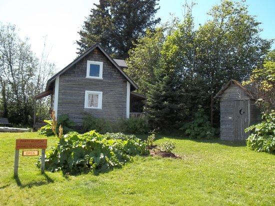Pratt Museum : The Homesteader's Cabin