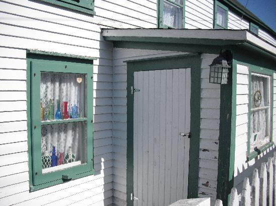 Fishers' Loft Inn by Ship Cove: No locks! Only in Newfoundland