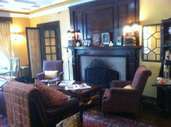The Bertram Inn: Living room Area
