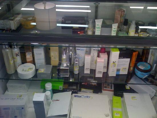 Scottsboro, Αλαμπάμα: Here's the beauty counter with high-end, discounted products