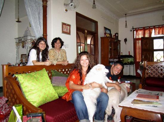Jaipur Friendly Villa : Us & Our Jaipur Family