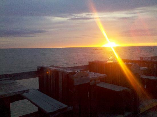 Sunset Grille: Beautiful Sunsets