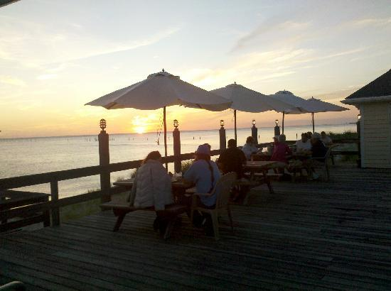 Sunset Grille: Waterfront Dining