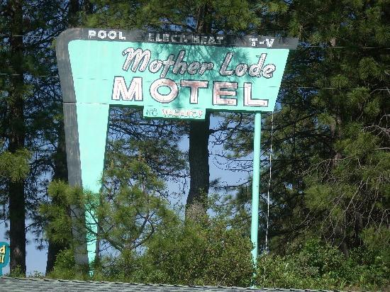 Mother Lode Motel: Great neon sign!