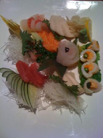Sakura Asian Restaurant: sashimi
